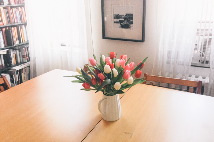 Table-Tulips
